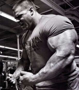 huge-bodybuilder