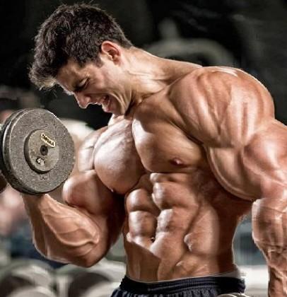 bodybuilder_barechest_curls_ripped